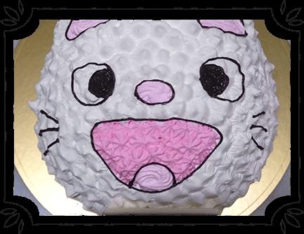 お子様に大人気のキャラクターケーキ!